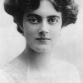 Жена Черчилля фото